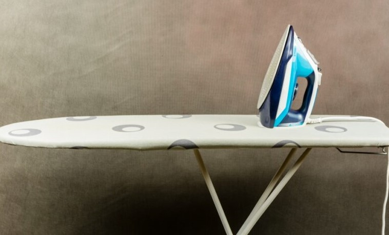Best Iron Board Reviews: Compatible with Heavy Irons and Steamers