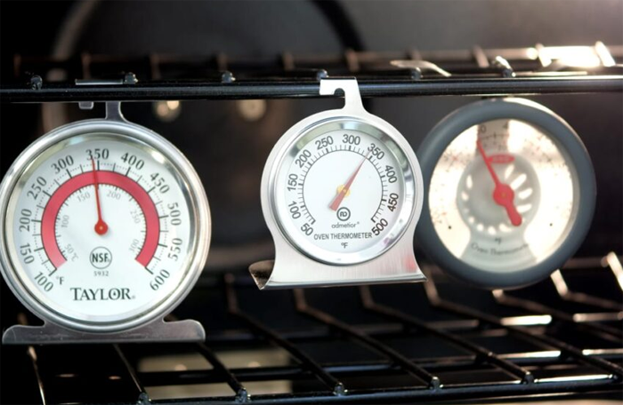 Four Best Oven Thermometer Reviews – Monitor Temperature Non-Stop to Cook Like an Expert Chef
